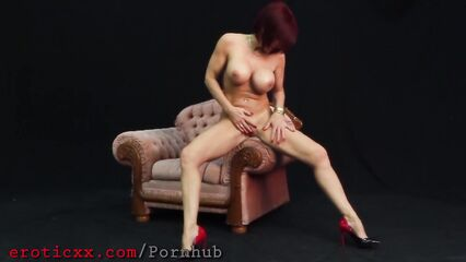 Мастурбация порно от рыженькой мамочки с большими сиськами
